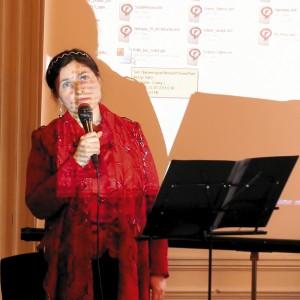 """Светлана Потера исполняет песню """"Ангел-хранитель"""" (сл. Н. Веселицкой, муз. С. Потеры)."""