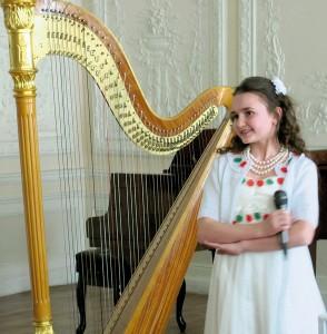 Алина Чабан (вокал), 10 лет. «Ягодки» – 1 место + «За артистизм» — «Голубка». - «Заспівай, мій соловейко, заспівай!»