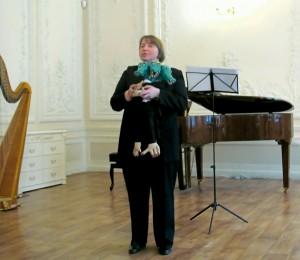 Ластик благодарит музыкантов за прекрасные номера в его День рождения.