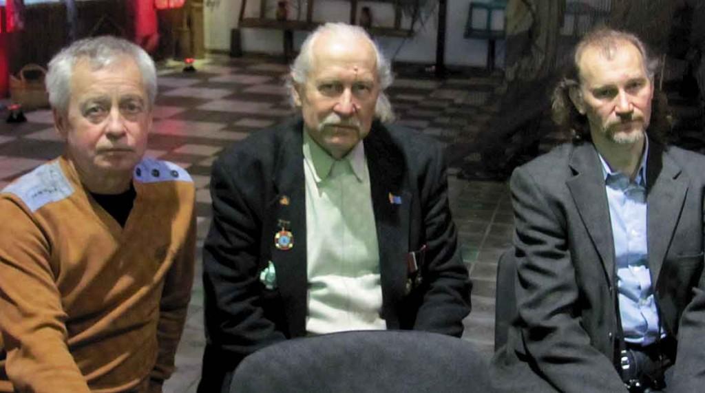 Чорнобильці. Другий зліва - Анатолій Колядін, за ним - Олексій Бреус.