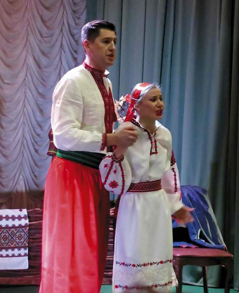 Андрій та Оксана - головні герої опери.