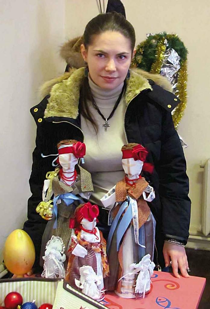 """Майстриня Наталія Опанасенко, студія """"Колорит"""". Народна іграшка, трансформація етнодизайну у сучасний простір."""