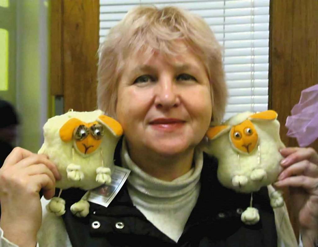 Вівці Тамари Прокоп'євої у дружньої компанії Наталії Савчук. З Новим 2015 роком! Миру, достатку, гарного настрою, Натхнення!