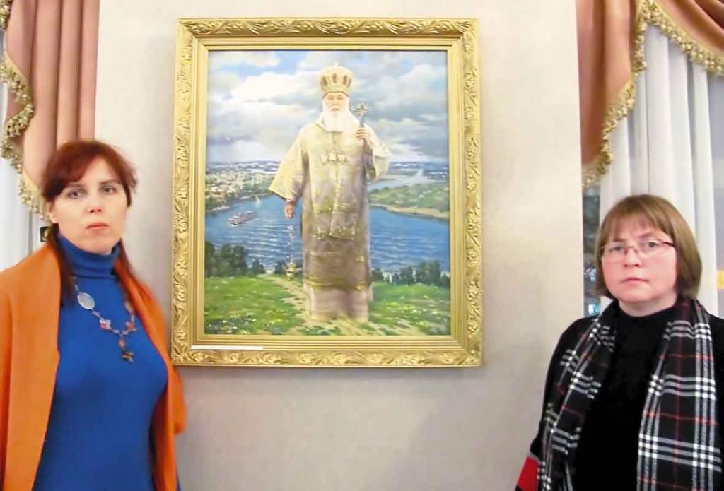 """Біля картини """"Святійший Філарет - Патріарх обох сторін Дніпра"""", 2012 р., Полотно, олія."""