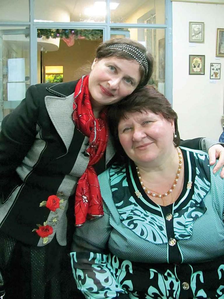 Надія Вегера-Претченко і Світлана Потера - учасниці Фестивалю-конкурсу літературного напрямку.